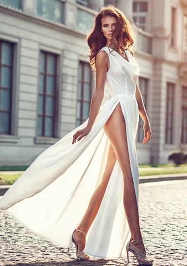 kobieta w sukni