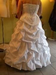 suknia z falami